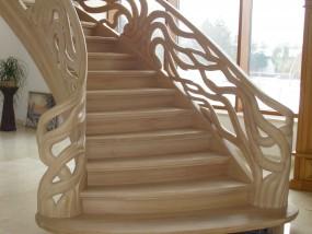 Schody rzeźbione, balustrady rzeźbione