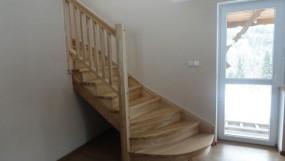 Schody drewniane bukowe