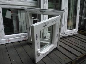 Tanie gospodarcze okno PVC rozwierno-uchylne białe