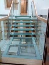 Podłogi i schody szklane