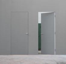 Drzwi ukryte Syntesis Line przygotowane pod malowanie