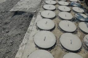 Włazy betonowe