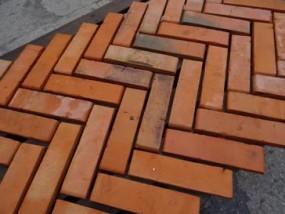 Płytki z cegły czerwonej wiśniówka